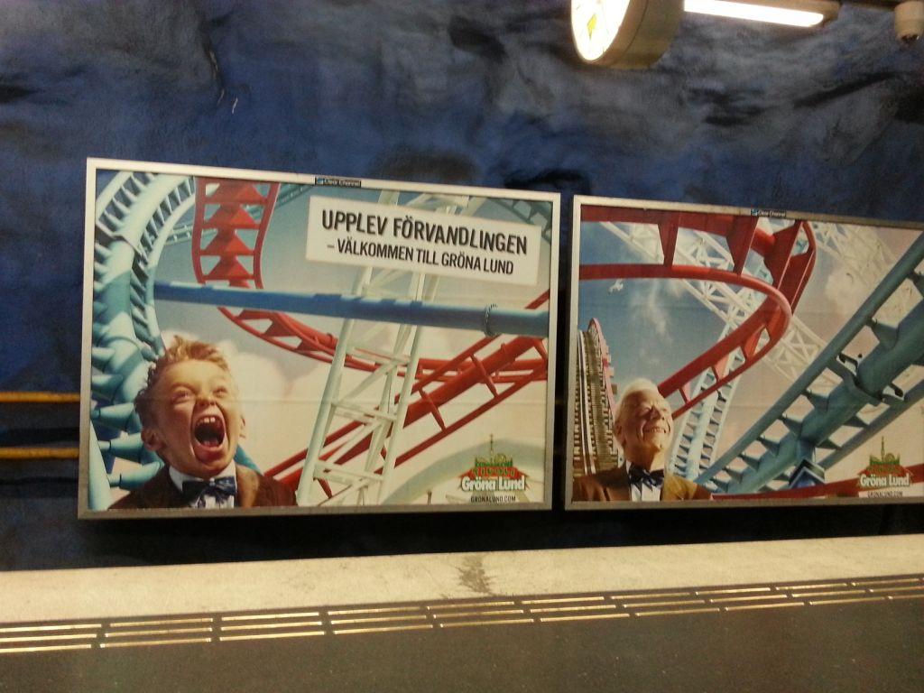 reklamaffischer med berg och dalbana. Till vänster en ung pojke och texten Upplev förvandlingen, till höger en äldre man